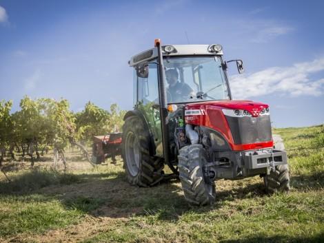 Önvezető, távirányítású és elektromos meghajtású traktorok minden mennyiségben