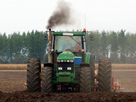 Piacterünkön megtalálja az ideális nehézuniverzális traktort