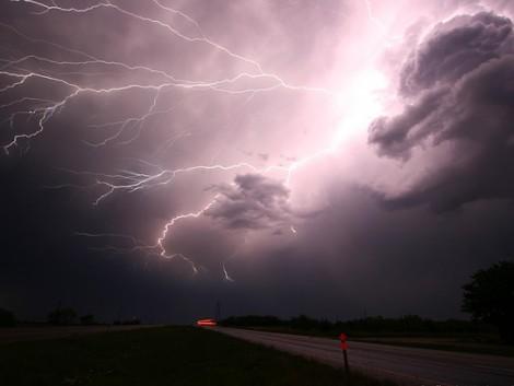 Vasárnapra is másodfokú figyelmeztetés adtak ki heves esőzések miatt