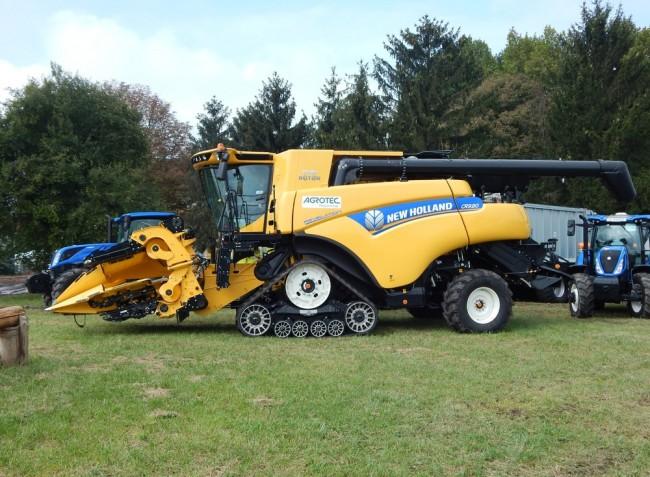 Nagy teljesítményű traktorok, kombájnok és szállítóeszközök a Bábolnai Gazdanapokon