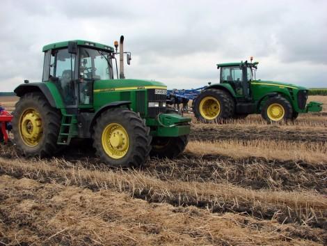 Traktorok a tengerentúlról