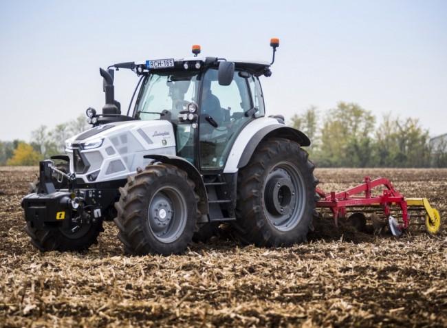 Ezt látnod kell! Itt az új Lamborghini traktor