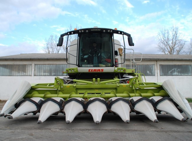 Kötött talajon is kiválóan dolgozó kukorica adapter