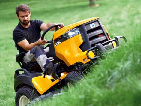 Hogyan válasszuk ki a nekünk legjobban megfelelő fűnyírót, fűnyíró traktort?