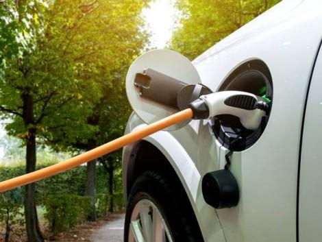Elektromos autó – kontra dízel! Meglepő tanulmányt mutatunk!