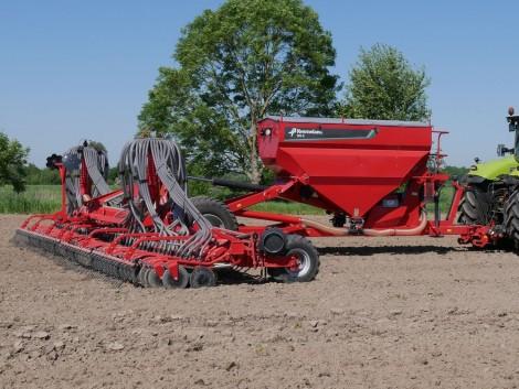 A Kverneland új modellekkel bővítette gabonavetőgép kínálatát