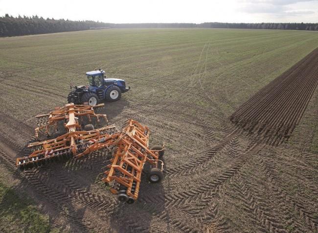 Vezető nélküli traktor, GPS-vezérelt technológia, automata kormányzás