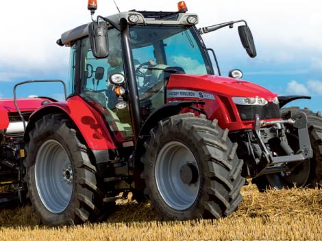 Massey Ferguson 5711 S –  110 lóerős, rugózott hidas prémium traktor eddig soha nem látott áron!