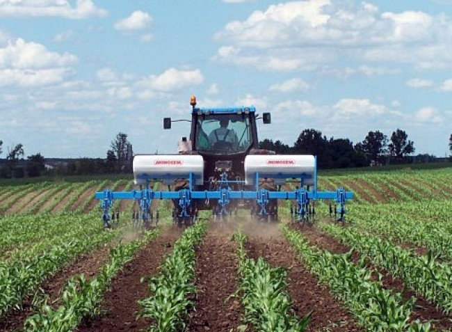 Minden terhet levesznek a gazda válláról! Komplex segítség a precíziós gazdálkodáshoz!