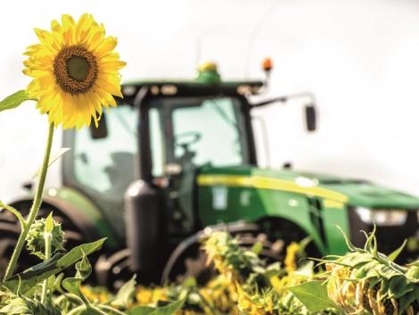 Eladó HO napraforgója van? A KITE nagyon jó árat ad érte, ha új John Deere traktort vásárol!