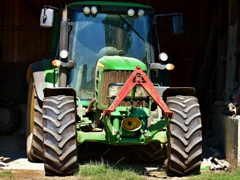 Bement a volt munkahelyére és ellopta a traktort