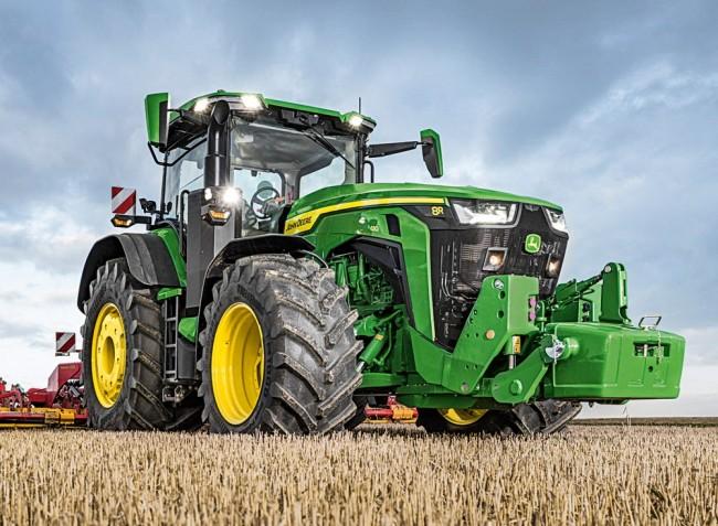 Végre Európában is bemutatkoznak az új John Deere 8R traktorok!