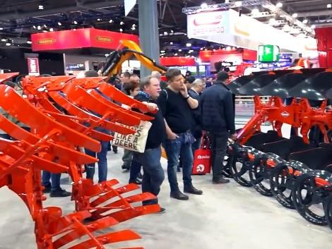 Világrekorder gépet is bemutatott a Kuhn az Agritechnicán!