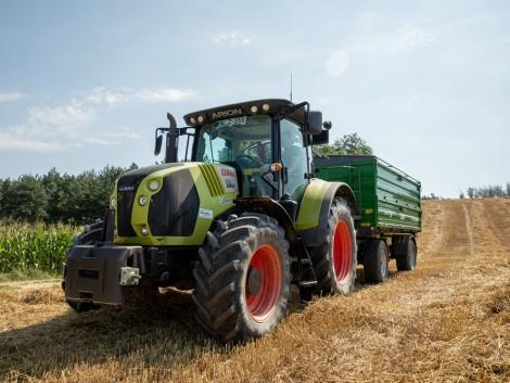 A tanárból lett gazdálkodó és a CLAAS traktorok sikertörténete