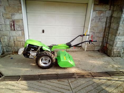 Egytengelyes kistraktorok a kerti munkákhoz