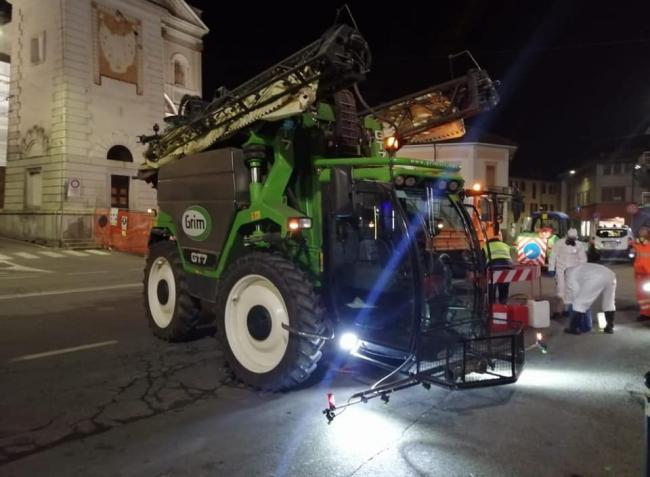 Önjáró permetezőgépekkel fertőtlenítenek az olaszok – és Magyarországon is elkezdődött! – VIDEÓ!