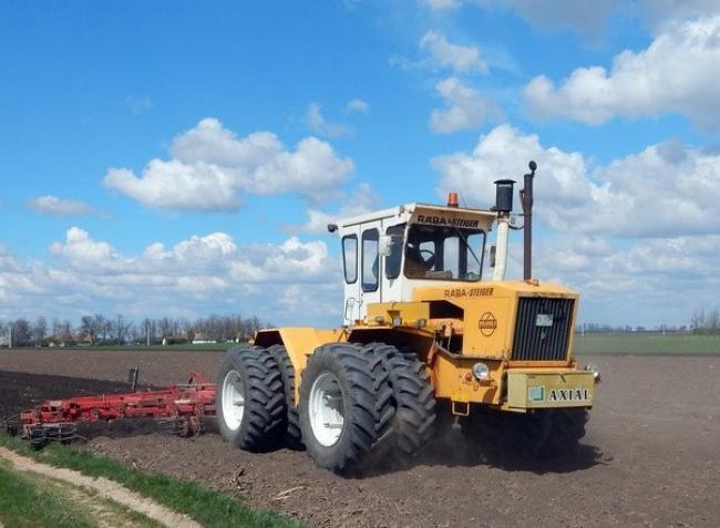 Megnyugodhatnak a gazdák – nem akadályozza a mezőgazdasági munkákat a kijárási korlátozás