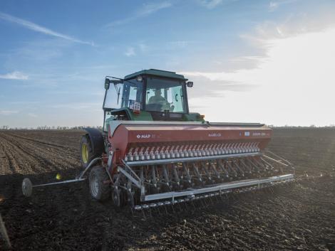 A válságba került ágazatokból számít munkaerőre az agrárkamara