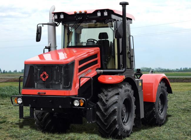 Itt a Kirovec legújabb traktorszériája, a K-5