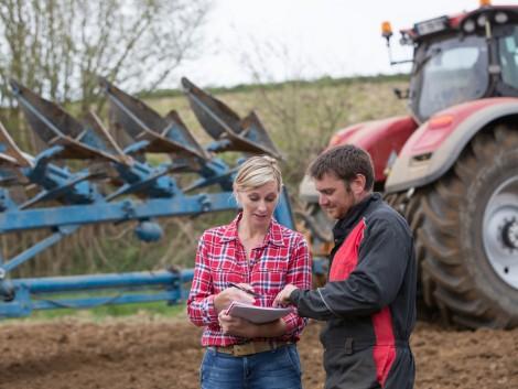 Traktort vásároltál – vagy ezt tervezed fiatal gazda pályázatból? Erre nagyon figyelj!