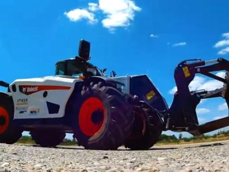 Bobcat TL 38.70HF Star3: Villámgyorsan tol, húz, emel és közúton 40 km/h sebességgel halad! – VIDEÓ