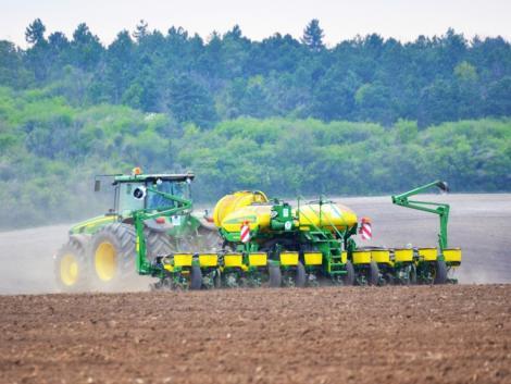 Az európai agráriumnak úgy kell fenntarthatóbbá válnia, hogy közben a versenyképességét is megtartja