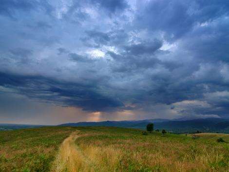 Továbbra is a felhőké lesz a főszerep: eső, zápor, helyenként zivatar