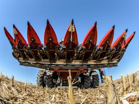 Ha tökéletes szárzúzást szeretnél, akkor válaszd az OROS CORNADO kukoricabetakarító adaptert!