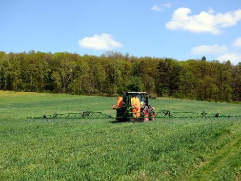 Az Európai Bizottság nem újította meg a bromoxinil és a mancozeb hatóanyagok engedélyét