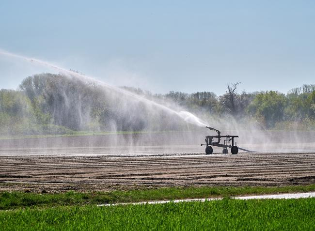 Elgördült az utolsó akadály: célegyenesben az öntözéses gazdálkodásról szóló törvény végrehajtása