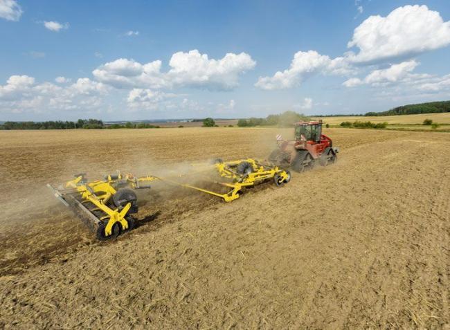 New Holland traktorok,  beszerelésmentes GPS és egy zseniális magyar fejlesztés