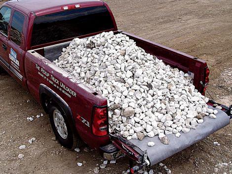 Nagyon megkönnyíti a lerakodást a pick-upról ez az ügyes megoldás