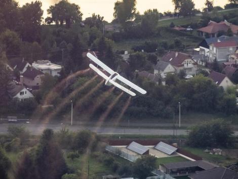 Annyi a szúnyog, hogy az NNK ideiglenesen engedélyezte a légi kémiai szúnyogirtást