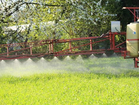 E növényvédőszer-hatóanyag lehetséges kivonásának híre komoly indulatokat vált ki