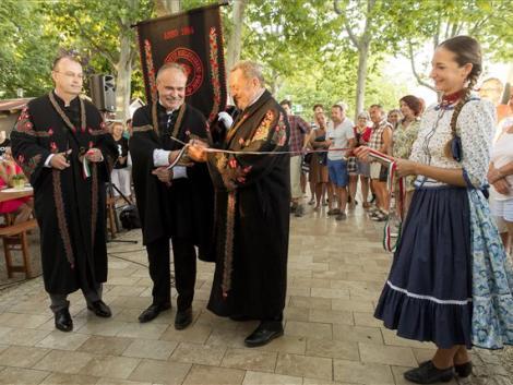 Bejelentették a borászatok támogatását a balatonfüredi borhetek megnyitóján – KÉPEK