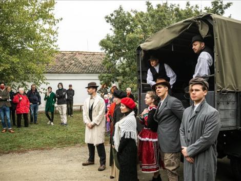 A forradalom falusi eseményeit elevenítették fel a szentendrei skanzenben – KÉPEK