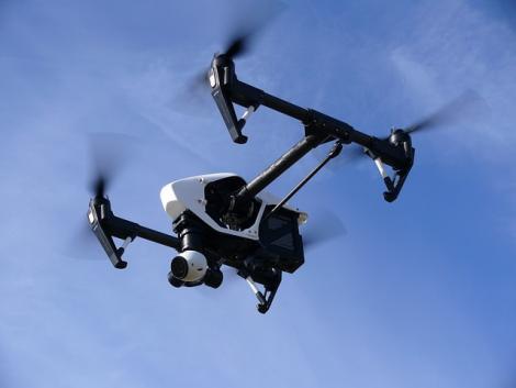 Mi történik, ha a drónok egyre okosabbak, és képesek saját maguk kitérni az útjukba kerülő akadályok elől?