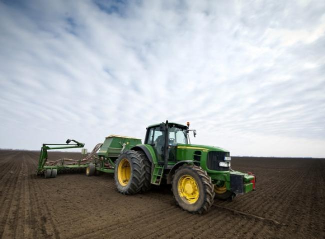 Úgy veszik a magyar gazdák ezeket a traktorokat, mint a cukrot