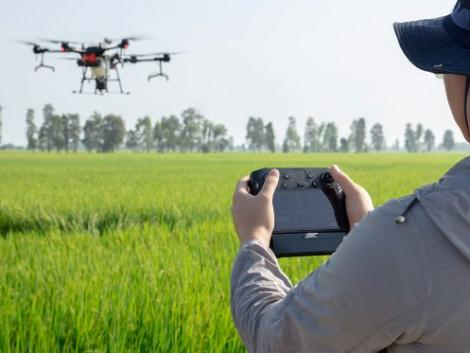 A DJI bemutatta vadiúj okos permetező drónját – VIDEÓ