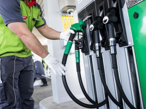Zsinórban második hete emelkednek jelentősen a hazai üzemanyagárak