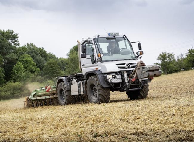 Agrárteherautó-történelem: 70 éve Mercedes-motoros az Unimog – KÉPEK