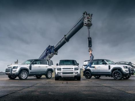 A Land Rover Defendert választották az év autójának