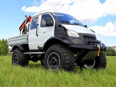 Mindenjáró, duplafülkés kisteherautó szállítási feladatokhoz – a legújabb fejlesztés