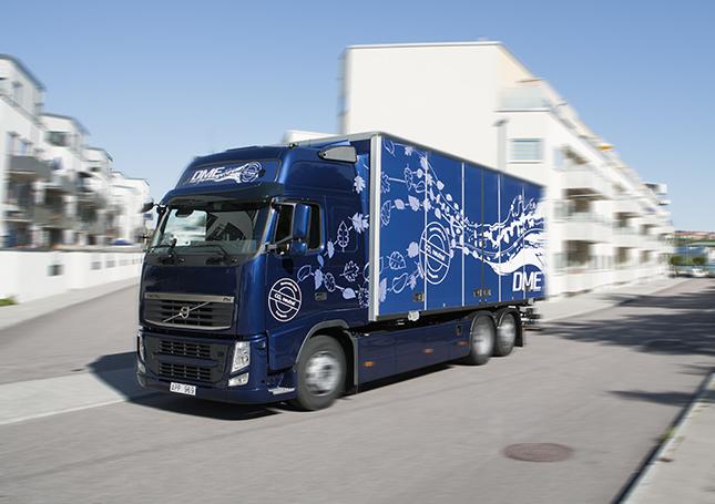 dimetilészter üzemű Volvo teherautó próbaút