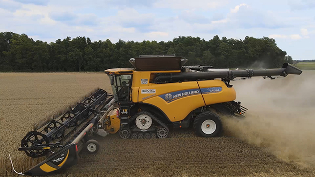 New Holland CR10.90 kombájn