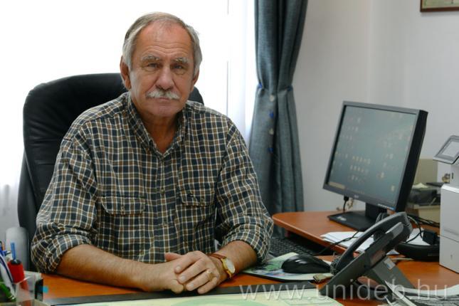 Béri Béla, a DE MÉK Állattenyésztési Tanszékén egyetemi docense.
