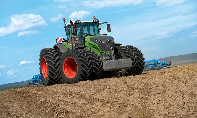 Megújult a Fendt hevederes traktor