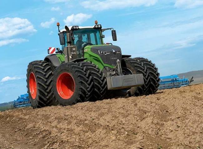Akár 500 lóerő a szántóföldön? – Megújultak a Fendt hevederes traktorai!