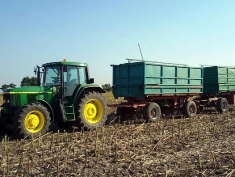 Jó hír a mezőgazdasági közúti szállításban! A súlytolerancia emelését indítványozzák!