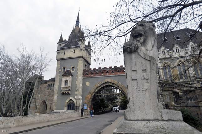 A Magyar Mezőgazdasági Múzeum számára épített városligeti Vajdahunyadvár.